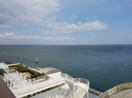 東京湾アクアライン・海ほたるの展望台前の風景③