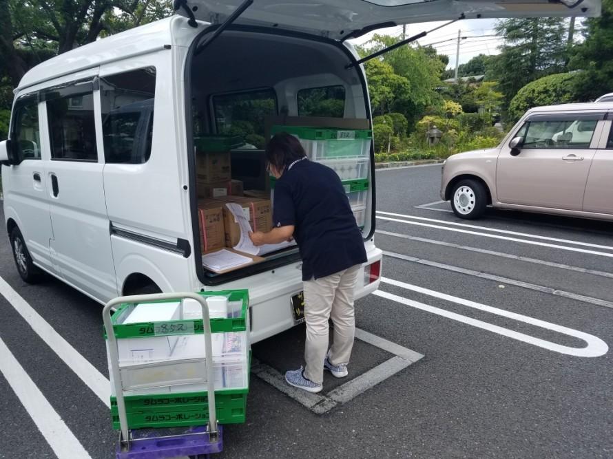 病院へ消耗品配送の同乗研修