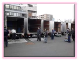 神奈川県内の投票会場まで、選挙機材を運搬しました
