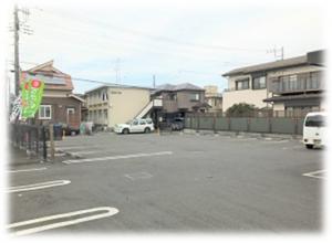 まいどおおきに陽光台食堂の駐車場は広くて停めやすいです。
