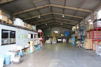川崎区の京浜営業所倉庫内です。