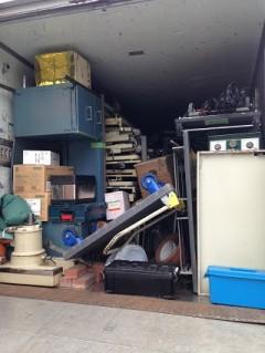 横浜市内のクリニックから医療機器を積み込み運搬(2tトラック)
