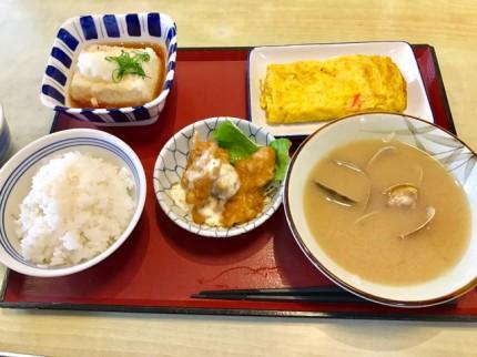 まいどおおきに陽光台食堂でお昼を食べました。おすすめのあさり汁も