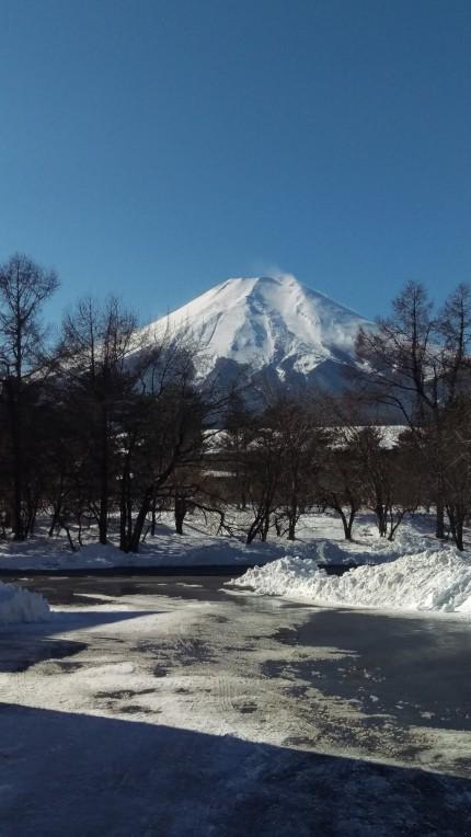 川崎から山梨県への配送途中の風景(富士山)