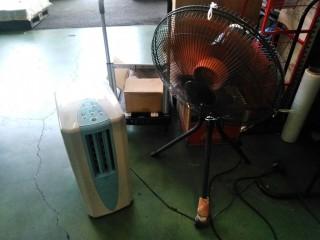 扇風機とスポットクーラーの併用。