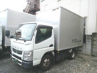京浜営業所にて所有2tショート車両です。