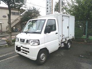 京浜営業所にて、所有の軽貨物車両 (冷凍・冷蔵車)